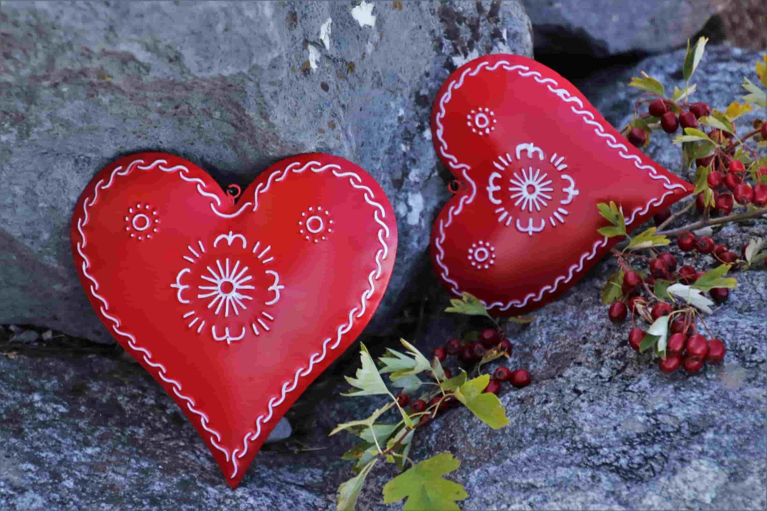 corazones apoyados